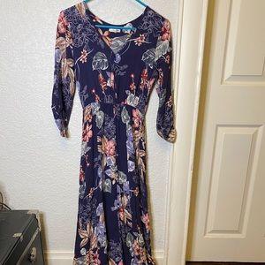 Quarter sleeve floral maxi dress
